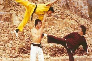 李小龙 最后一部电影《龙争虎斗》戏服 亲笔信将拍卖