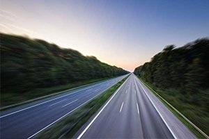 德国考虑取消高速不限速政策:你尽情开 超速算我输!