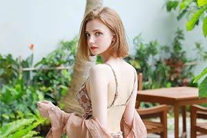 简直如人间仙女!98年混血美女模特Chloe美照合集!