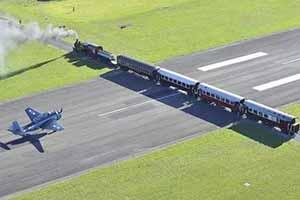 火车轨道竟与飞机跑道相交?13张让你大开眼界的照片