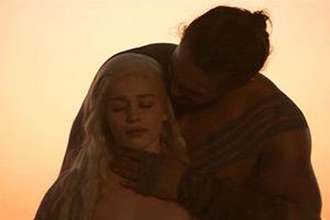"""龙妈""""被逼""""拍《权游》第一季裸戏:感谢"""