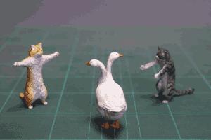 岛国小哥再出趣味手办:液体猫 长颈犬 统统都要!