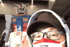 日本网友制作高达口罩超还原!佩戴效果非常吸睛!