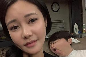 韩国人妻灵魂P图走红网络!丈夫沦为合照工具人