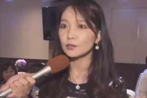 日本50岁美女御姐因太有钱不敢谈恋爱!豪宅羡煞众人