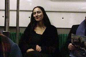 """坐地铁的""""蒙娜丽莎""""!一不小心拍出像名画的照片"""