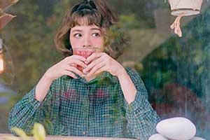 沙雕美少女COS史上最骚神作 网友:奇怪姿势又增加了