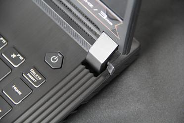 自带主角光环的游戏利器 ROG魔霸4游戏本开箱实测