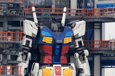 """超壮观!日本网友分享18米可动""""高达""""组装现场实拍"""