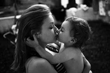 这是一个女人最甜蜜的吻!19张触动心灵的珍贵照片!