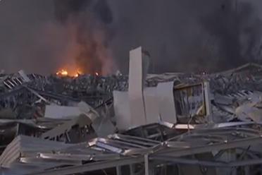 黎巴嫩首都突发爆炸 目击者:整座城下起碎玻璃雨