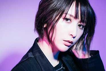 一开口就是老玩家了 美女歌手蓝井艾露透露挚爱游戏