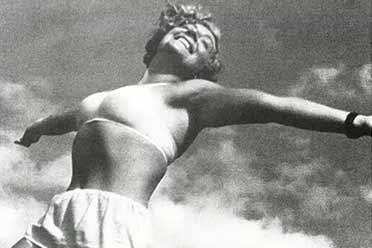40年代苏联少女纯白内衣热情奔放!21张珍贵历史照片