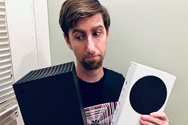 IGN:收到微软XSX XSS主机了!圆形底座并不能拆