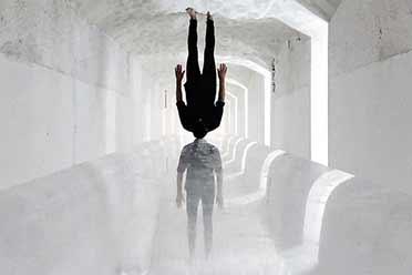 冰雪隧道惊现无头人?摄影师惊奇创意照片脑洞无限!