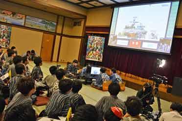 日本将给中小学生免费配电脑:累计将达5000亿日元!