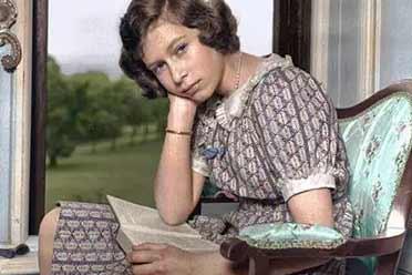 1940年伊丽莎白女王少女照清纯秀美!罕见的历史照片