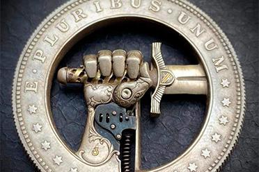 硬币还能做小机关!硬币雕刻家Roman Booteen作品赏