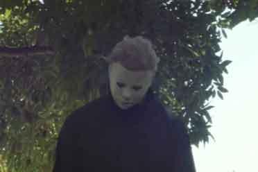 《月光光心慌慌》搞笑短片 杀人魔来到没有人的社区