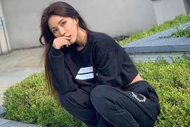 成熟美艳的M字唇!赛车女郎出身的DJ辣妹SIENA美图!