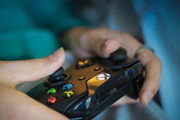 岛国游戏沉迷调研结果 每天玩游戏超6小时的占12%