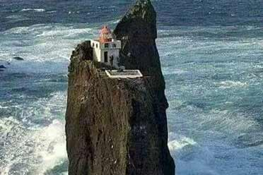 请问怎么从这山顶别墅上下来?奇葩搞笑的神奇照片