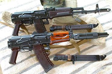 聊聊《黑色行动:冷战》中开头的三支冲锋枪(上)