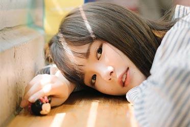 可爱外表下拥有巨大能量!甜美系韩国小姐姐金智勋