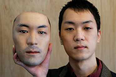 日本一店铺推出堪比易容的人脸面具!爆笑买家秀大赏