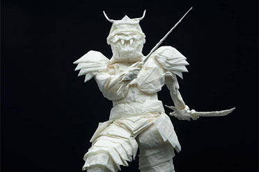 只用一张纸就能折出日本武士!芬兰折纸艺术家作品赏