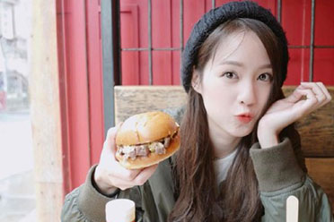 吃香最好看的美少女!泰国网红界的颜值天花板Pimtha