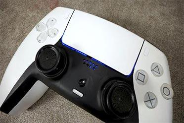 花费45万!油管UP主打造世界上最大的PS5 还能打游戏