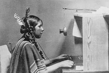 美国印第安少女竟成了电话接线员 15张珍贵的历史照片