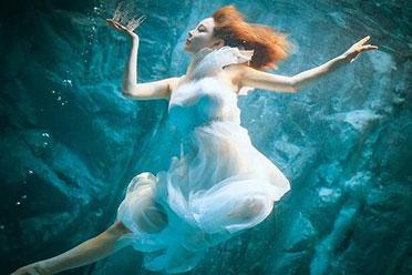 人间尤物,水下的惑人女妖!韩国美女模特진하진美照