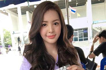 泰国征兵现场 这么可爱的女孩子在这里一定是男孩子