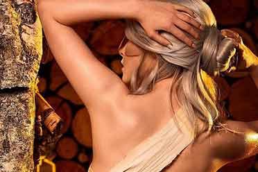 小姐姐COS《巫师》浴衣版希里:身绑布条简直性感!