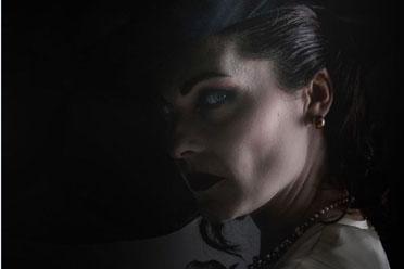 百分百还原贵妇人!《生化危机8》吸血鬼夫人脸模COS
