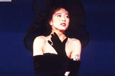 日本昭和第一歌姬16岁出道 为渣男痴狂!如今下落不明