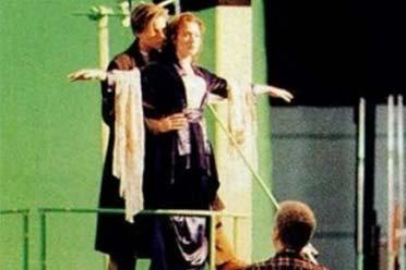 好莱坞大片的幕后画面:拍摄现场尴尬的抠出三室一厅!
