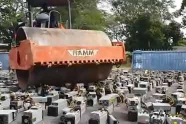 正道的光!马来西亚1000多台非法矿机全部被碾压销毁