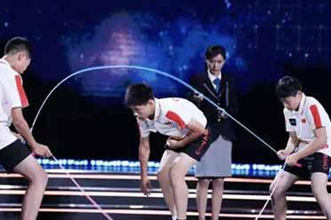 初中生再次刷新世界纪录!每秒跳绳9.6次的光速少年!