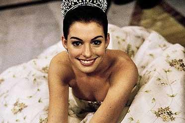 《公主日记》上映20周年!安妮海瑟薇晒照:灵动可爱!