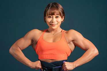 女神脸+猛男肌是真实存在的吗?日本27岁美女引热议