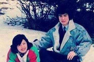 李咏老婆近照曝光:皮肤白嫩 与19岁漂亮女儿相依为命