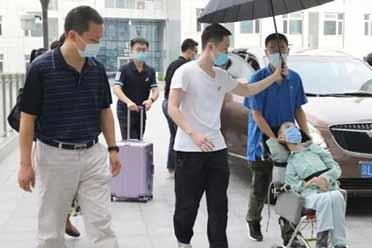 """中国""""霍金""""!北航迎来一名特殊新生:18岁仅18公斤!"""