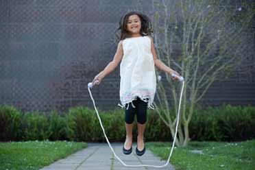 杭州妈妈逼女儿每天跳绳3000个:患上胫骨结节骨骺炎!