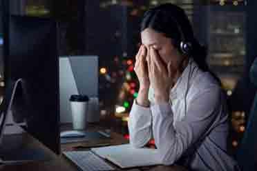 央视警告熬夜的危害:患抑郁症的风险会变得更高