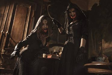 俄妹还原《生化8》吸血鬼小姐姐:性感身姿备受好评!