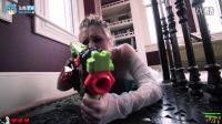 玩具枪真人大战:超级英雄之间的较量