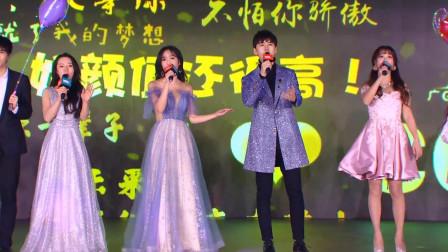 【CC直播年度盛典】pipi-萍萍大秀热舞, 现场黑科技惊艳四座
